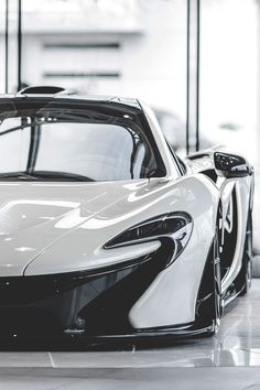 10 of the Best Supercars of 2015. Meet the fastest, meanest supercars on the Planet. The McLaren P1 needs no introduction..