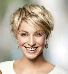 Short-Shaggy-Haircut Best Sassy Pixie Cuts 2019 Creating a new personality is as easy as pie. Just explore our list of the Best Sassy Pixie Cuts 2019 and you will become one of the gorgeous ladies Shaggy Pixie Cuts, Pixie Cut Blond, Short Shaggy Haircuts, Sassy Haircuts, Short Hair Cuts, Short Hair Styles, Blonde Short Hair Pixie, Haircut Long, Blonde Hair
