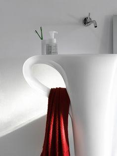 CUP Design Meneghello Paolelli Associati #ceramic #Pop Art #Caffè #freestanding #washbasin #bathroom #livintec #bagno #centrostanza #lavabo #tazzina #artceram #portasalviette