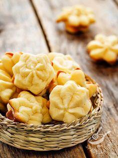 Che ne dite di preparare dei biscotti dal sapore delicato e agrumato? Conquisteranno le amiche all'ora del the e sono perfetti anche con un buon caffè! #biscotticremadiarancia