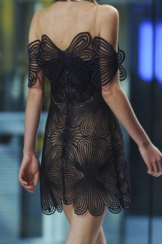 Christopher Kane Fall 2013 Runway Pictures - StyleBistro