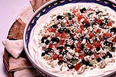 Mediterranean Layered Dip-Here's a five-layer appetizer dip with beautiful colours and bold Mediterranean flavours. Only 15 minutes of prep work, and it's ready to serve. Kraft Recipes, Dip Recipes, Cookie Recipes, Snack Recipes, Snacks, Cream Cheese Dips, Cream Cheese Spreads, Appetizer Dips, Yummy Appetizers