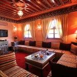 moroccan-living-room-interior design-idea-with-stripped-seating