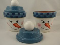 snowman painted pot/these would make great gift containers filled with Christmas candy or cookies.