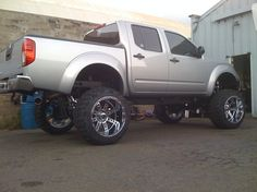One of the Best lifted Nissan frontiers I have seen ! Nissan Navara 4x4, Nissan 4x4, Nissan Trucks, Nissan Frontier 4x4, Frontier Truck, 4x4 Wheels, Custom Wheels, Navara Tuning, Navara D40