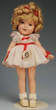 *SHIRLEY TEMPLE DOLL,  I have this doll!