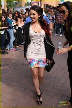 Janel Parrish: Foreign Exchange Shopping Event! | janel parrish foreign exchange 04 - Photo