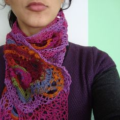 SCARF I would love to see Danni Klingman in this so swirly color would make her eyes dance Love Crochet, Crochet Gifts, Beautiful Crochet, Diy Crochet, Crochet Ideas, Hand Knitting, Knitting Patterns, Crochet Patterns, Knitted Shawls
