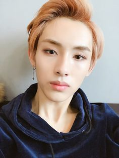 NCT Yuwin Where if you write on your arm, your soulmate will immedia… Nct Winwin, Johnny Seo, Wattpad, Sm Rookies, Mark Nct, Fandoms, Na Jaemin, Entertainment, Korean Beauty