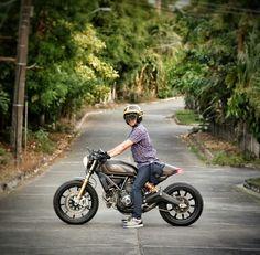 Ducati Scrambler Cafe racer Custom