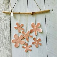 Blij om dit item uit mijn #etsy shop te delen: Ceramic flower wall hanging - Pink porcelain wall hanging -  interior decor - garden decor - handmade artisan gift - one of a kind ornament Artisanal, Kind, Om, Pasta, Ornaments, Crafts, Etsy, Clay, Pottery Gifts