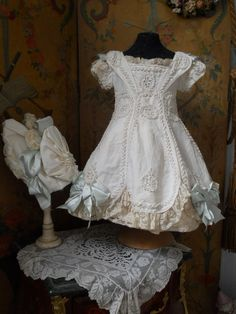~~~ Fantastic French BeBe Pique Dress with Bonnet ~~~