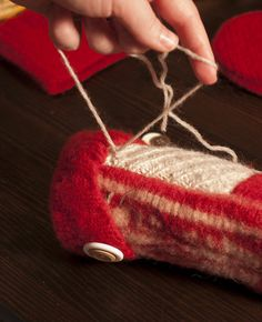 GUEST TUTORIAL: Felted Sweater Mittens