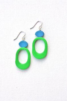 Funky green blue earrings colorful jewelry door debroervandevogel, €20.00