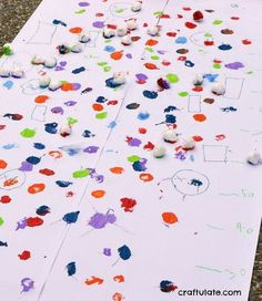 Splat Painting with Cotton Balls - outdoor process art Projects For Kids, Art Projects, Crafts For Kids, Daycare Crafts, Project Ideas, Preschool Art Activities, Color Activities, Creative Activities, Summer Activities