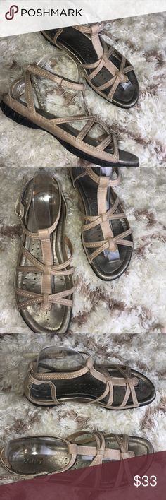 ECCO Gladiator Sandals! Sz 40! Excellent pre-loved condition! Normal Signs of wear including one tiny spot on the heel. Please see all photos!   Soft leather  Size 40  Metallic leather   Thanks for stopping by! Please follow me as I add new items regularly to my closet!   Make an offer or a bundle for additional savings! Ecco Shoes Sandals
