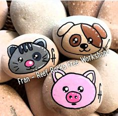 Hottest Snap Shots Animal Crafts paint Popular Cardstock dish wildlife are a wonderful children art idea. Most are incredibly simple and easy , reasonably p Pebble Painting, Pebble Art, Ceramic Painting, Stone Painting, Stone Crafts, Rock Crafts, Arts And Crafts, Painted Rock Animals, Painted Rocks