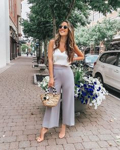 Chic Outfits For Edgy and Chic Outfits For Women fashion style stylish girl fashion womens fashion fashion outfits Source by Classy Outfits, Chic Outfits, Fashion Outfits, Cool Summer Outfits, Spring Outfits, Summer Business Outfits, Summer Office Outfits, Sunday Outfits, Everyday Outfits