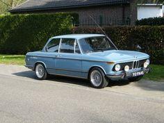 Pastellblau BMW 2002