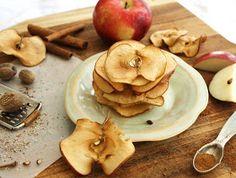 Inspired Edibles: Oven-Baked Cinnamon Nutmeg Apple Chips
