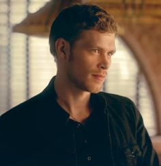 Joseph Morgan who portrays Klaus in The Vampire Diaries and The Originals Joseph Morgan, Cw The Originals, Vampire Diaries The Originals, Actor Quotes, Master And Commander, The Mikaelsons, Klaus And Caroline, Vampire Diaries Wallpaper, Vampire Diaries Funny