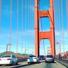 """""""Dame la mano y vamos a #darlelavueltaalmundo """" cruzando #puentes en #SanFrancisco #sfo #tbt #latergram"""
