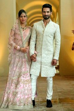 Pastel shades are trending not just for the brides, but for grooms as well! We've enlisted some of the gorgeous pastel outfits for the groom Engagement Dress For Groom, Couple Wedding Dress, Wedding Outfits For Groom, Groom Wedding Dress, Summer Wedding Outfits, Wedding Attire, Mens Indian Wear, Mens Ethnic Wear, Indian Men Fashion