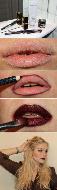 Exfoliar tus labios para lograr el look perfecto con un labial oscuro: