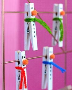 // FAÇA VOCÊ MESMA // Decoração simples e divertida para o Natal! Aproveite para se divertir fazendo junto com as crianças!🎅  Para mais ideias inspiradoras siga a gente no PINTEREST! br.pinterest.com/Amomooui ✨ www.MOOUI.com.br✨  #diy #pinterest #archilovers #architecturelovers #beautiful #becreative #bedroom #bedroomdecor #decor #decoracao #decorlovers #designinspiration #details #home #homedecor #inspiration #interiordesign #interiors #style #trend
