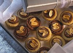 Try this Peanut Butter Cup Buttons recipe, made with HERSHEY'S products. Enjoyable baking recipes from HERSHEY'S Kitchens. Peanut Butter Candy, Peanut Butter Recipes, Chocolate Peanut Butter, Sweets Recipes, Easy Desserts, Baking Recipes, Cookie Recipes, Dessert Simple, Button Recipe