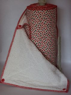 Snapping UnPaper Towels by TheWildflowerPatch on Etsy, $41.30...cute but I'm pretty sure I would be too lazy to snap them together after being washed