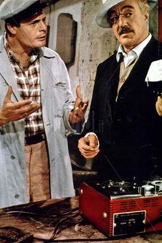 Marcello Mastroianni e Vittorio De Sica in Peccato che sia una canaglia 1954 http://www.ivid.it/fotogallery/imagesearch/images/peccato_che_sia_una_canaglia_sophia_loren_alessandro_blasetti_011_jpg_qpuk.jpg