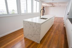 The kitchen bench tops are manufactured Quantum stone which replicates the most beautiful examples of marble and natural stone. The kitchen cabinetry uses a laminate Colourboard which is very hard wearing, has the appearance of painted 2 pack without the upkeep. ⁣⠀