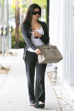 See All the Celebrities Who Wear Sweatpants   StyleCasteKIM KARDASHIANr