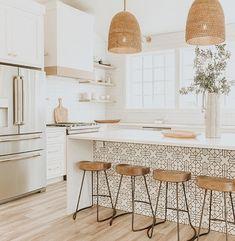 8 Glowing Simple Ideas: Kitchen Remodel House new kitchen remodel ideas.Farmhouse Kitchen Remodel To Get. Home Decor Kitchen, Interior Design Kitchen, Modern Interior, Rustic Kitchen, Boho Kitchen, Kitchen White, Kitchen Industrial, Decorating Kitchen, Kitchen Modern
