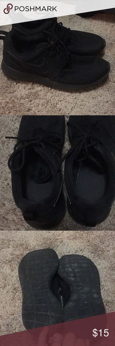 Nike shoes Used Nike shoes. All black Nike Shoes Athletic Shoes