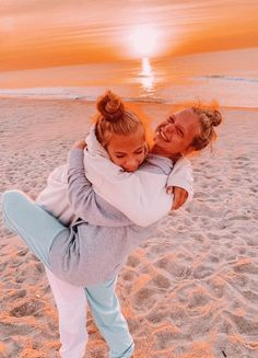 sweet-and-salty-vibes Cute Beach Pictures, Cute Friend Pictures, Summer Pictures, Cute Photos, Family Pictures, Foto Best Friend, Best Friend Fotos, Cute Friends, Best Friends
