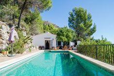 Holiday home Los dos Algarrobos Andalusia Spain, Andalucia, Villas, Travel Around The World, Around The Worlds, Malaga Airport, Explore Dream Discover, Moraira, Hotels