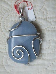 pendentif pierre semi-précieuse Angélite : Pendentif par ...