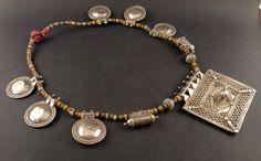 Collar con gran colgante amuleto hindú de plata por ethnicadornment