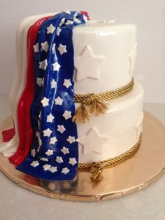 American flag cake: Love your country www.TheBedfordLife.com American Flag Cake, Military Cake, Foundant, Confetti Cake, Baking And Pastry, When I Grow Up, Let Them Eat Cake, Blue Wedding, Fourth Of July