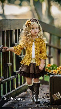 Josephine Three Felt Flowers On Hard Headband Little Girl Models, Little Girl Fashion, Toddler Fashion, Kids Fashion, Cute Outfits For Kids, Cute Kids, Cute Babies, Little Girl Dresses, Girls Dresses