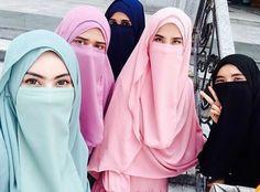 Hijabi Girl, Girl Hijab, Hijab Outfit, Androgynous Fashion Women, Curvy Women Fashion, Beautiful Muslim Women, Beautiful Hijab, Niqab Fashion, Muslim Fashion