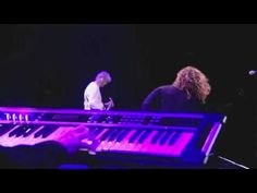 """Tradução da música """"Kashmir"""" do Led Zeppelin. Celebration Day Composição: Robert Plant"""