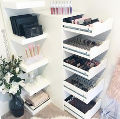 Vanity Collections For all your makeup storage needs Perth WA Based Online Sto… Makeup & Hair Ideas: . Vanity Collections For all your makeup storage needs Perth WA Based Online Sto Make Up Tisch, Rangement Makeup, Vanity Organization, Organization Ideas, Storage Ideas, Makeup Storage Drawers, Make Up Storage, Vanity Room, Drawer Dividers