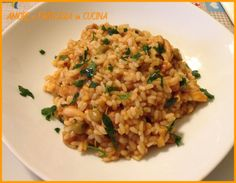 Il Risotto con seppia e piselli è un primo piatto semplice da preparare, delicato e gustoso.