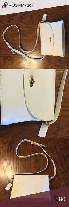 "EUC Vintage Coach Purse Off white/winter white vintage Coach purse, measures 10.5"" x 7.5"". Coach Bags Shoulder Bags"