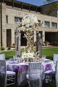 Love the big and bold centerpieces, great rustic glam tabletop decor