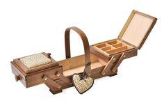 Aumuller Korbwaren Gmbh and Co. Kg - Costurero (madera de haya, incluye acerico en forma de corazón), color marrón: Amazon.es: Hogar