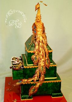 "- Wedding cake ""the Malachite larets and Fire-bird"". 20 kg, three-level pie and birdie. Height is 76 cm."